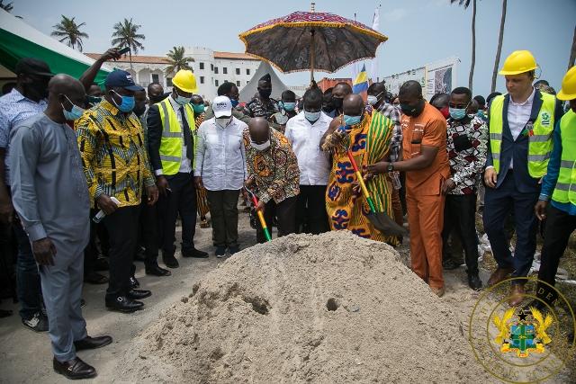 Akufo-Addo cuts sod for Elmina Fishing Port Project 1