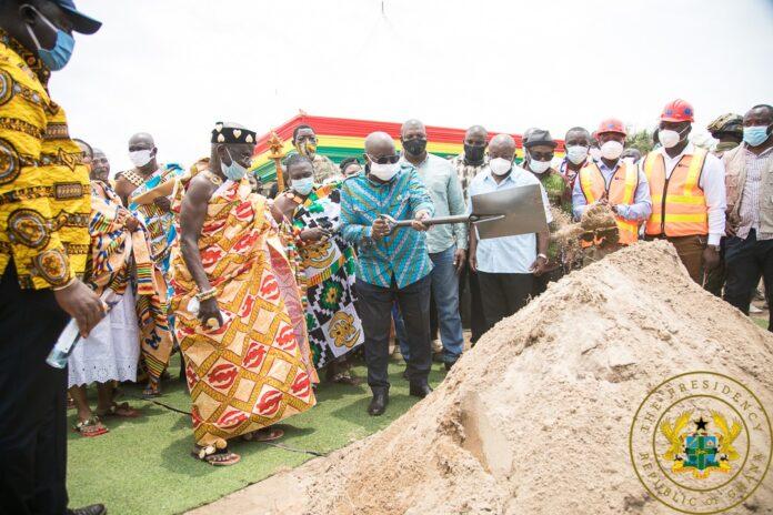 Akufo-Addo inspects Dadieso Roads projects 7