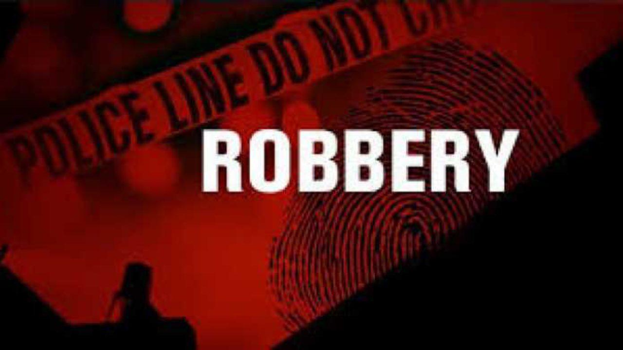E/R: One shot in highway robbery on Koforidua-Kukurantumi road. 45