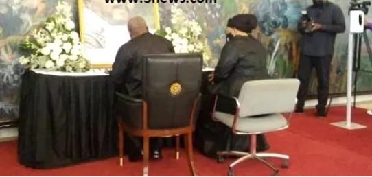 Mahama finally allowed to sign Rawlings's book of condolence. 46
