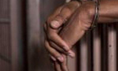 Police arrest fake gold dealers 55