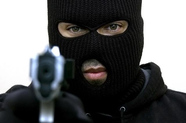 Kasoa: Gunshots as armed robbers raid mobile money, electrical shops. 1