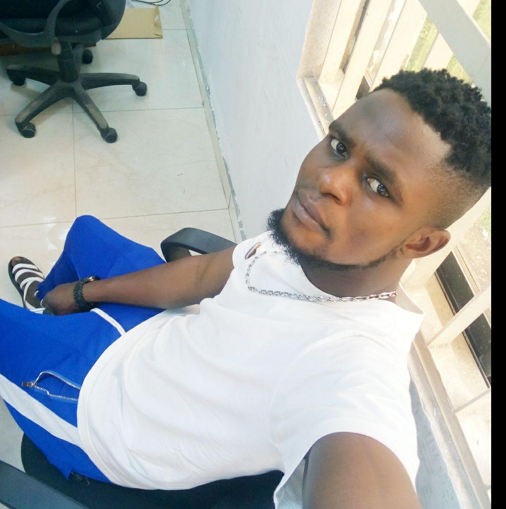 Young man slumps, dies while taking his bath. 46