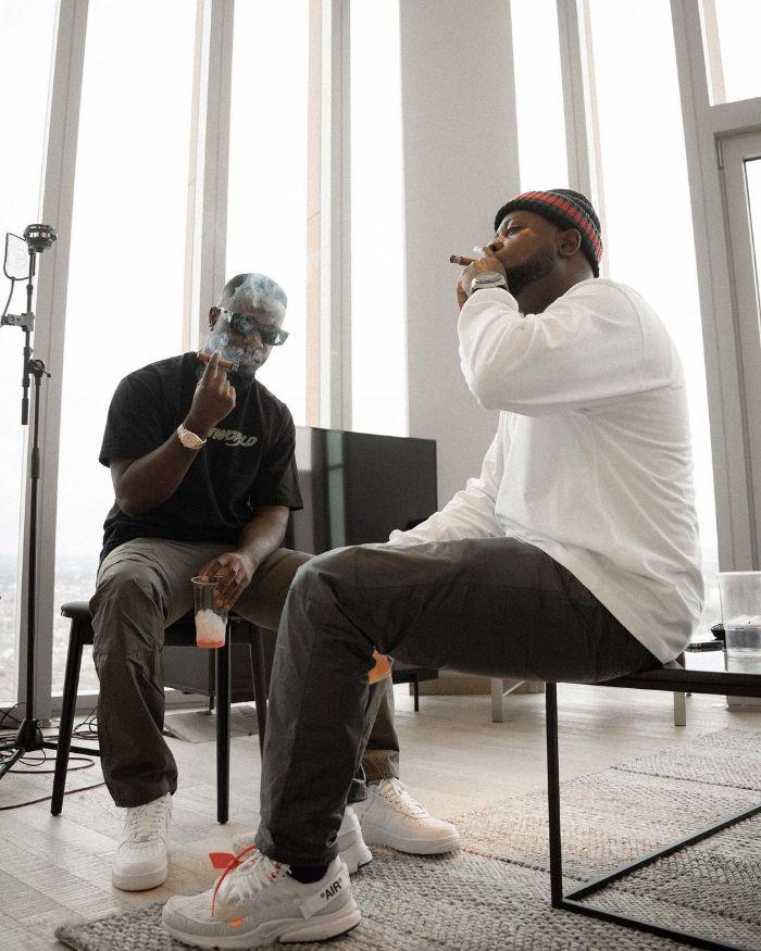 Peer Pressure Grabs Sarkodie As He Now Smokes Like A Chimney – Photos Cause Stir (Video & Photos). 46