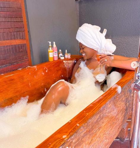 Fella Makafui's bathroom photos cause mixed reactions on social media. 46