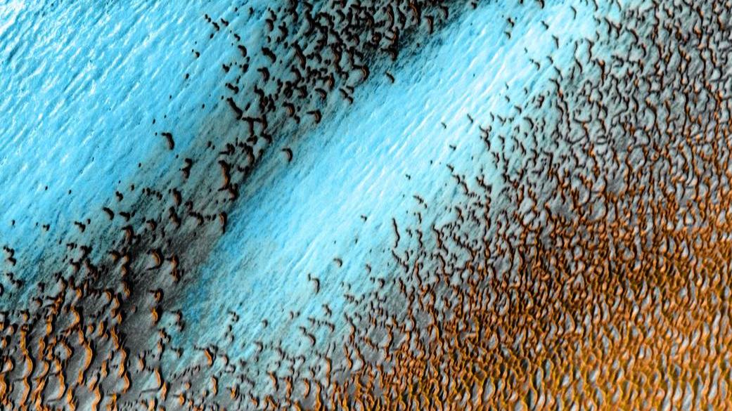 NASA releases stunning photo of beautiful blue dunes on Mars. 46