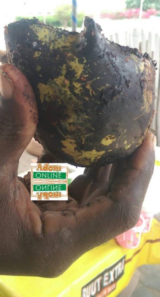 Mysterious calabash vanishes as eyewitnesses take photos at Tema. 46