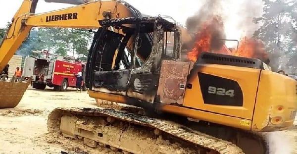 Galamsey man weeps like a baby seeing his excavator in flames - (Video). 64