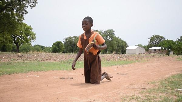 Businessman Dr Kofi Amoah promises GHc25k for Ghanaian girl who crawls 2km to school. 46
