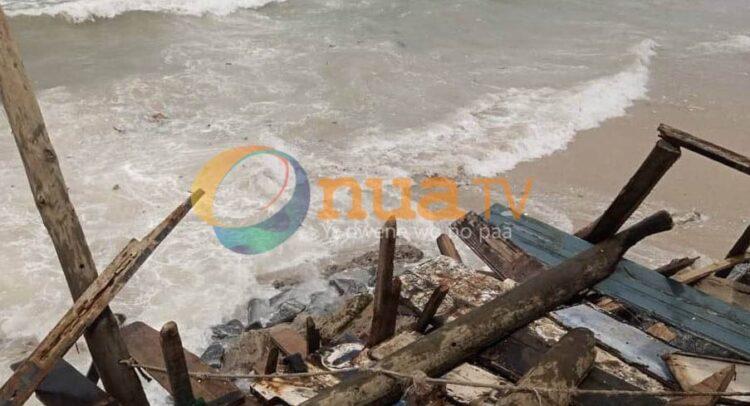Video: Lives lost, residents displaced in Dansoman tidal waves. 48